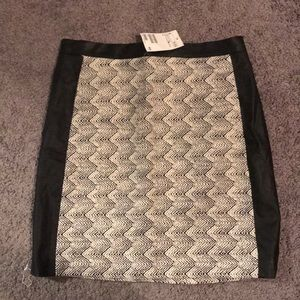 Black and white lace H&M skirt